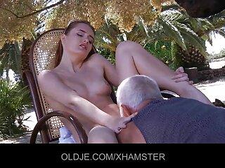 MILF داغ در sexبرازرس حال آزمایش اسباب بازی جدید خود