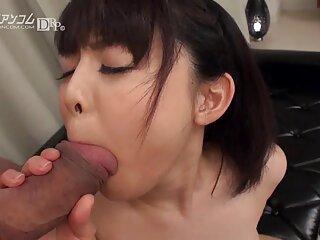دختر بیدمشک پس از دانلود فیلم سکسی از سایت برازرس رابطه جنسی مقعدی در خیابان ، خروس پسر را می بلعد