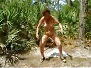 طاس دانلود فیلم سکسی از برازرس مثلث عشقی را برای دو جوجه به صحنه برد