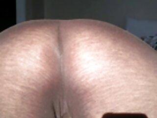 مشتری سینه ماساژور ژاپنی را پنجه می زند و پس از استحمام او را در واژنش پاره می کند فیلم سکسی برازرس
