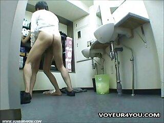 مالک پس از ساختن کونی روی نردبان ، بشکه را به داخل گربه یک شریک بالغ فیلم سکسی سایت برازرس هدایت می کند.