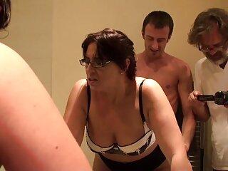 مادر با جوانان بزرگ با سکس های برازرس معشوق خود در آشپزخانه fucks